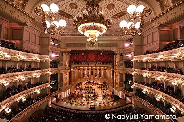 画像: シュターツカペレ・ドレスデンのジルヴェスターコンサート会場ゼンパー歌劇場