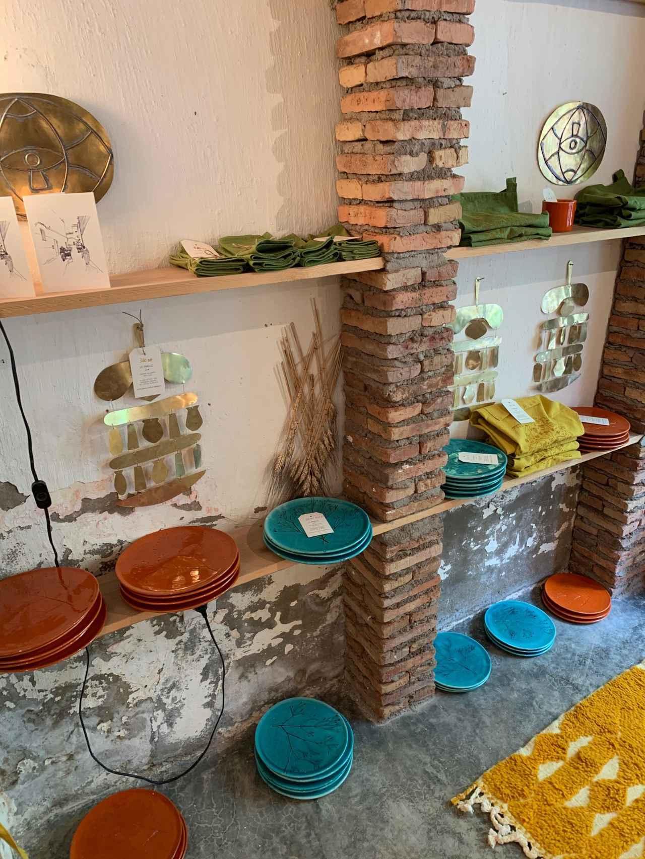 画像: ラ・ファミール店内の雑貨売り場(イメージ)