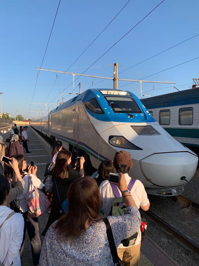 画像: 高速鉄道アフラシャブ号に乗って、約2時間でタシケントへ!(スタッフ撮影/イメージ)