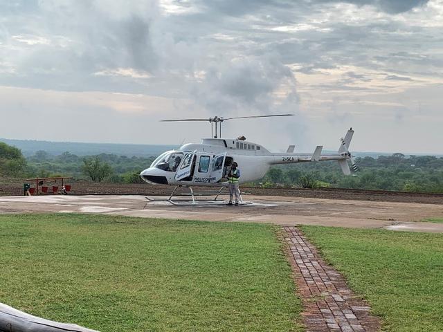 画像: ヘリコプターで上空から滝をぐるっと遊覧できます(弊社スタッフ撮影※天候によりご案内できない場合があります)