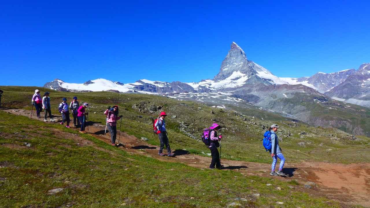 画像: 緩やかな下り中心のハイキング♪(弊社スタッフ撮影)