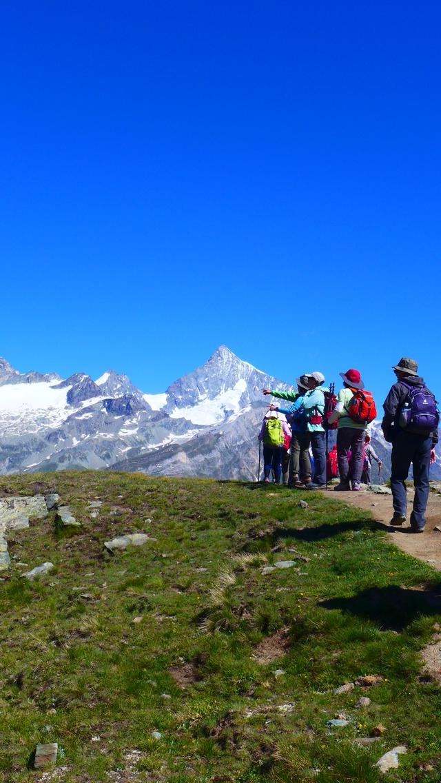 画像: マッターホルン以外のアルプスの名峰もご覧いただけます♪(弊社スタッフ撮影)