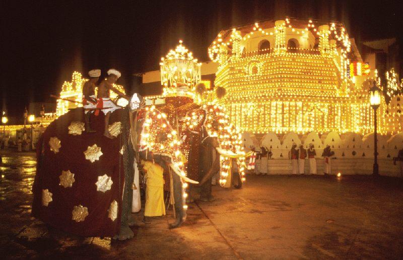 画像: ペラヘラ祭り(スタッフ撮影)