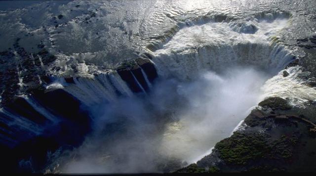 画像: イグアスの滝/空撮イメージ 4