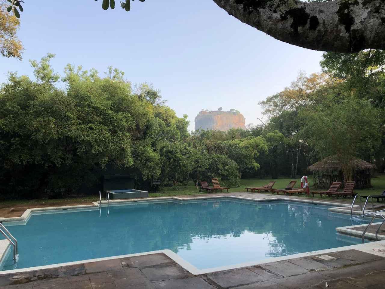 画像: シギリヤ・ロックを眺望できるホテル一例(イメージ)
