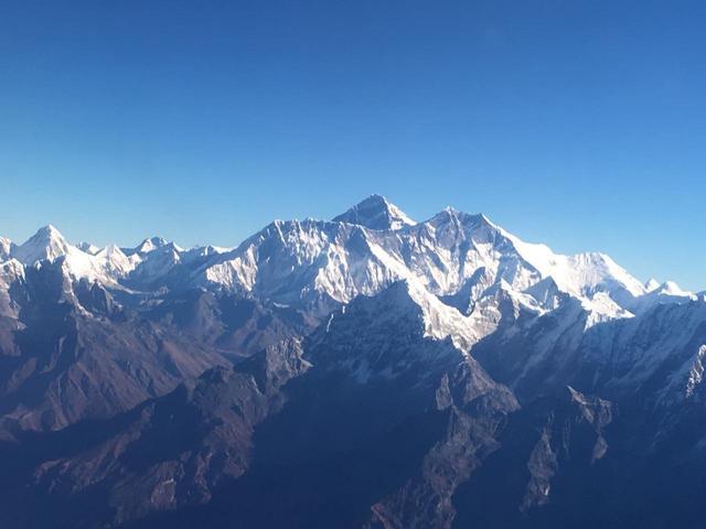 画像2: エベレスト遊覧飛行(イメージ/弊社スタッフ撮影)※天候により中止となる場合がございます