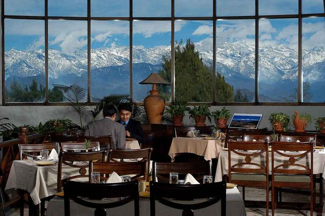 画像: クラブヒマラヤ・ナガルコット・リゾートのレストラン(イメージ)