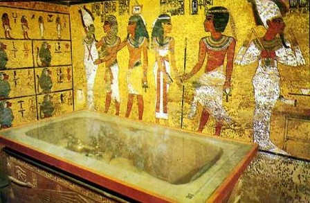 画像: ツタンカーメン王の墓内部(イメージ)
