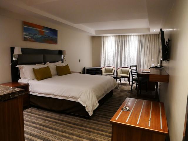 画像: ケープタウンのホテル PREMIER CAPETOWNの室内(2019年7月 担当者撮影)