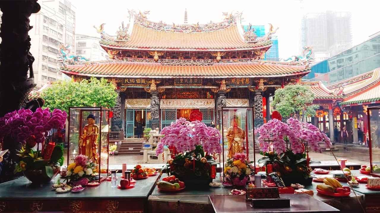 画像: 台北最古の寺院『龍様寺(りゅうざんじ)』(弊社スタッフ撮影2019年6月)