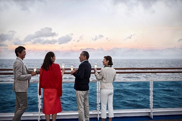 画像: 洋上から眺めるサンセット/イメージ