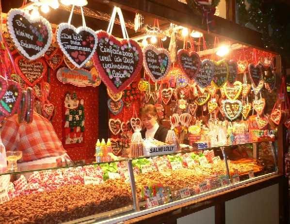 画像: レープクーヘンなどお菓子の露店(弊社添乗員撮影)