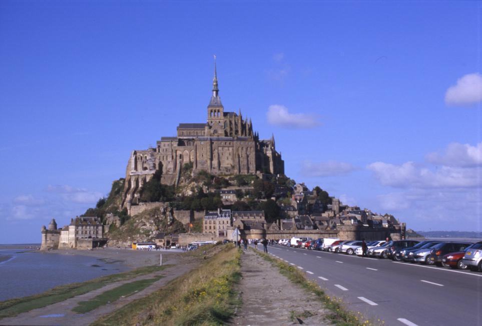 画像: フランス モンサンミッシェルは朝・夕と時間帯を変えて観光