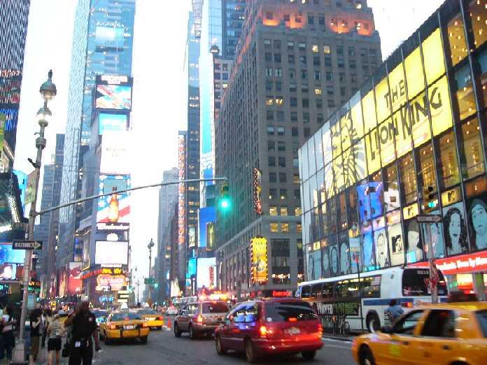 画像: アメリカ ニューヨークのタイムズスクエア