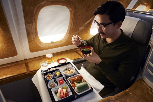 画像: 洗練された機内でのお食事(一例・イメージ)