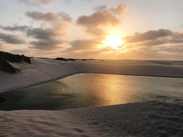 画像: 【ブラジル】6月~9月の期間限定!! 白と青にきらめく世界 レンソイス・マラニャンセス国立公園
