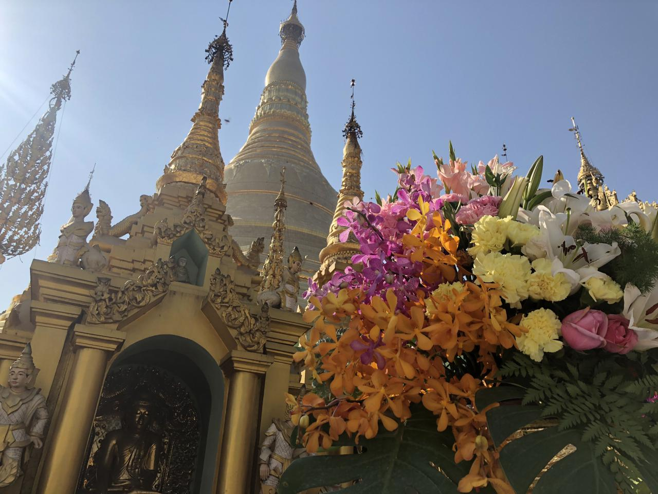 画像: ヤンゴン シュエダゴンパゴダ (2019年4月・弊社添乗員撮影)