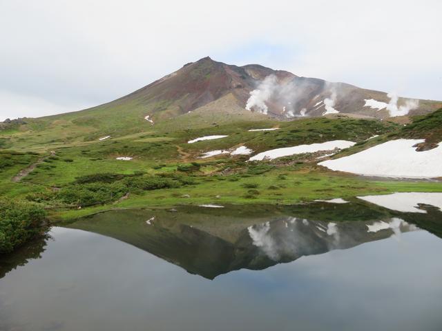 画像: 夏 の姿見の池。昨年、私が添乗にてお客様とご一緒した際の写真です♪