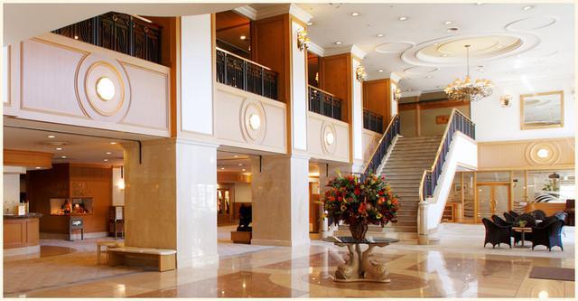 画像: 指定ツアーでご案内予定の2泊目「登別グランドホテル」ロビー(イメージ)