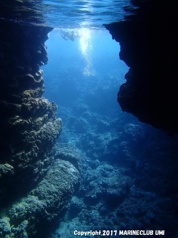 画像: 『一足早く夏を満喫!青の洞窟シュノーケル体験とカヌー体験 沖縄アドベンチャー 3日間』コース情報:1名1室同旅行代金(部屋数制限有り) |クラブツーリズム