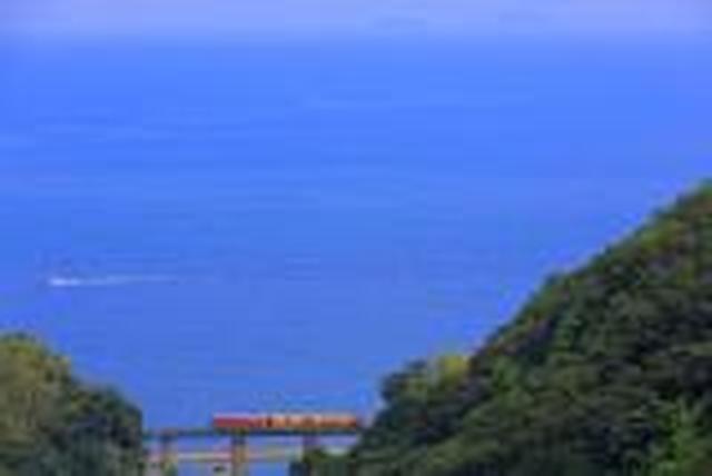 画像: <ひとり旅>『「伊予灘ものがたり」と「四国まんなか千年ものがたり」食事自慢の2つの観光列車2日間』【1名1室確約/バス席1人2席/連休・週末】|クラブツーリズム
