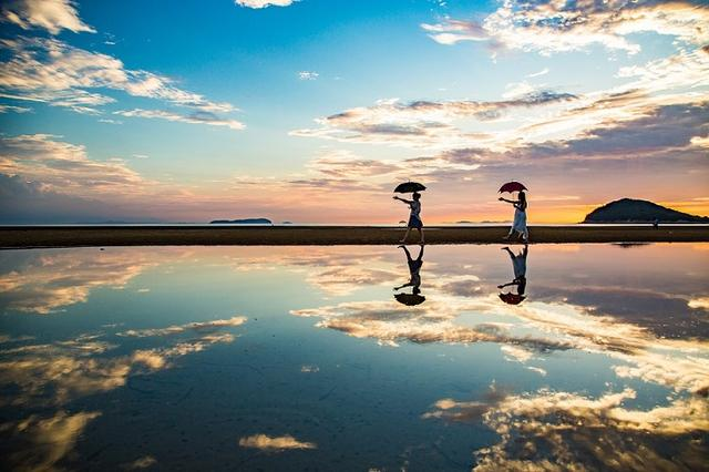 画像: 『瀬戸内海に映える絶景「紫雲出山」の桜観賞と「父母ヶ浜」 瀬戸内アートめぐり3日間』コース情報 航空機利用 直島や小豆島の観光盛り沢山!1名1室同旅行代金 |クラブツーリズム