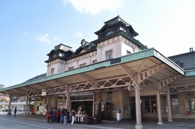 画像: 復原工事前の門司港駅(写真提供:九州観光推進機構)