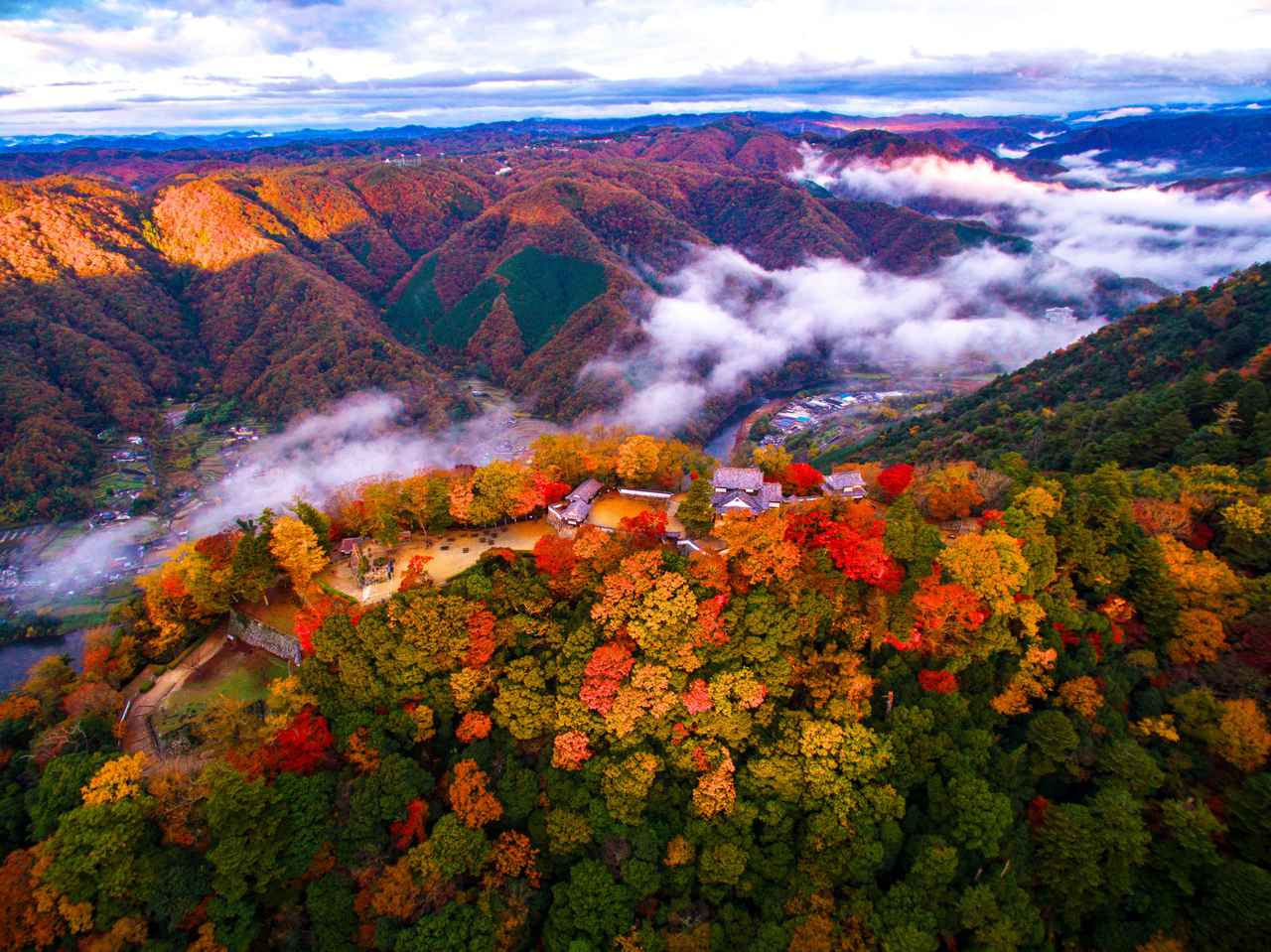 画像: 備中松山城(空撮)※イメージ 写真提供:岡山県観光連盟