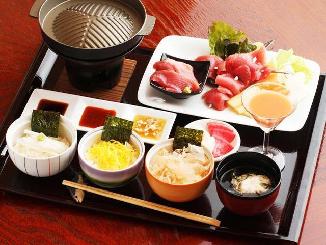 画像: 青森グルメも満喫!深浦マグロステーキの昼食(イメージ)