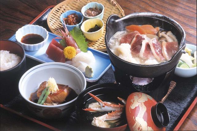 画像: 『割烹郷土 伊豆の味 おか田』 金目鯛など郷土料理のご昼食(イメージ)