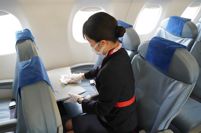 画像: 機内の除菌作業のイメージ