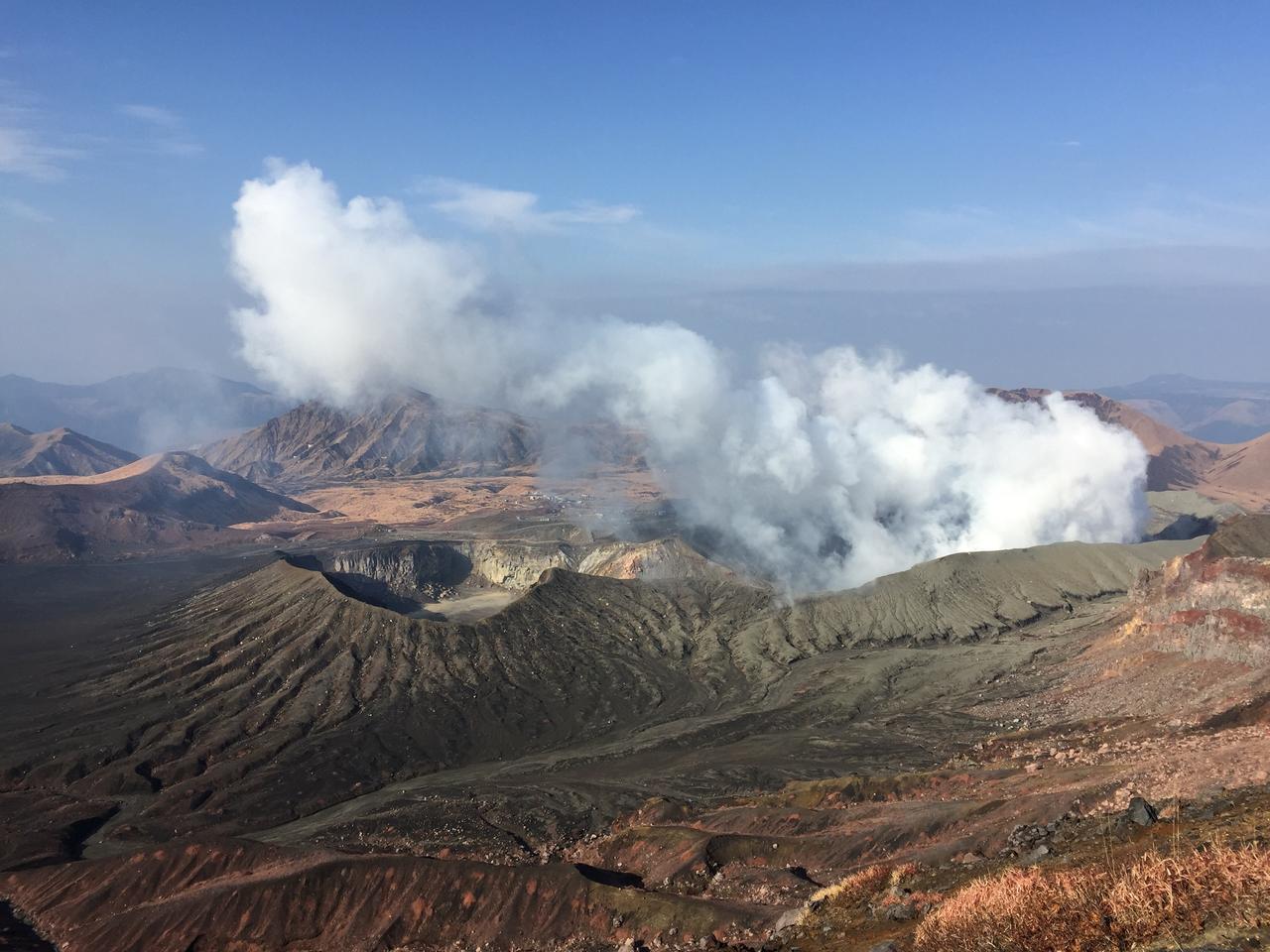 画像: 阿蘇山・中岳火口(イメージ)