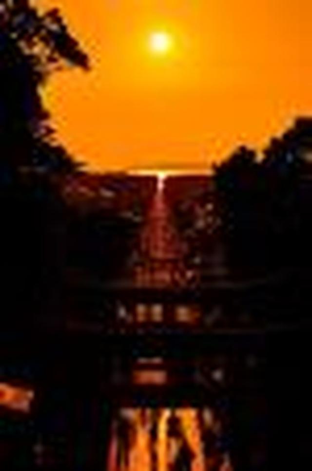 画像: 『年2回のみ!特別祈祷席からの宮地嶽神社「光の道」観賞と麻生大浦荘で「雛祭り」鑑賞 日帰り』 【博多出発】<ウォーキング>|クラブツーリズム