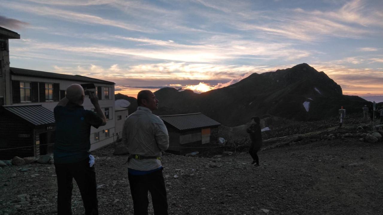 画像: 雷鳥荘からの夕日。贅沢な時間を過ごします・・・(イメージ)