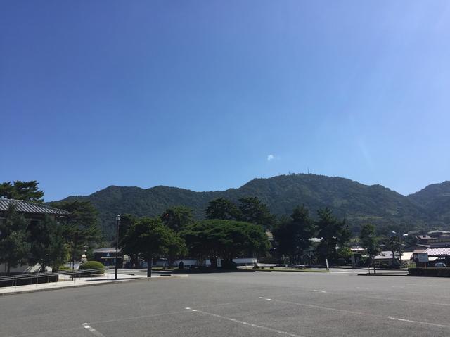 画像: 駐車場から眺める田床山(電波塔が建っているところです/イメージ)