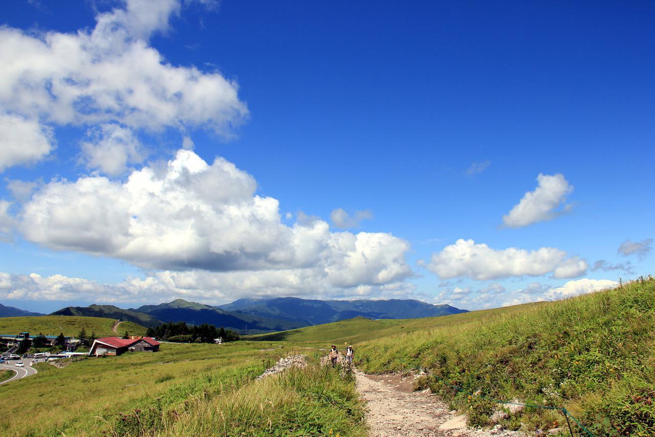画像: 車山山頂へと続く道(イメージ)