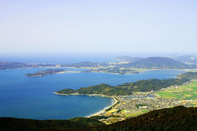 画像: 天気が良いと山頂から海が望めます(イメージ/糸島市観光協会)
