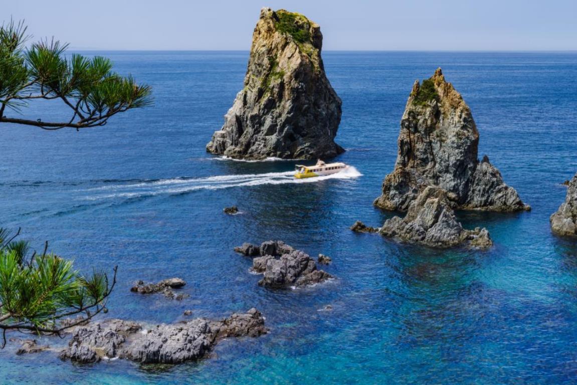 画像: 青島島遊覧船(イメージ)