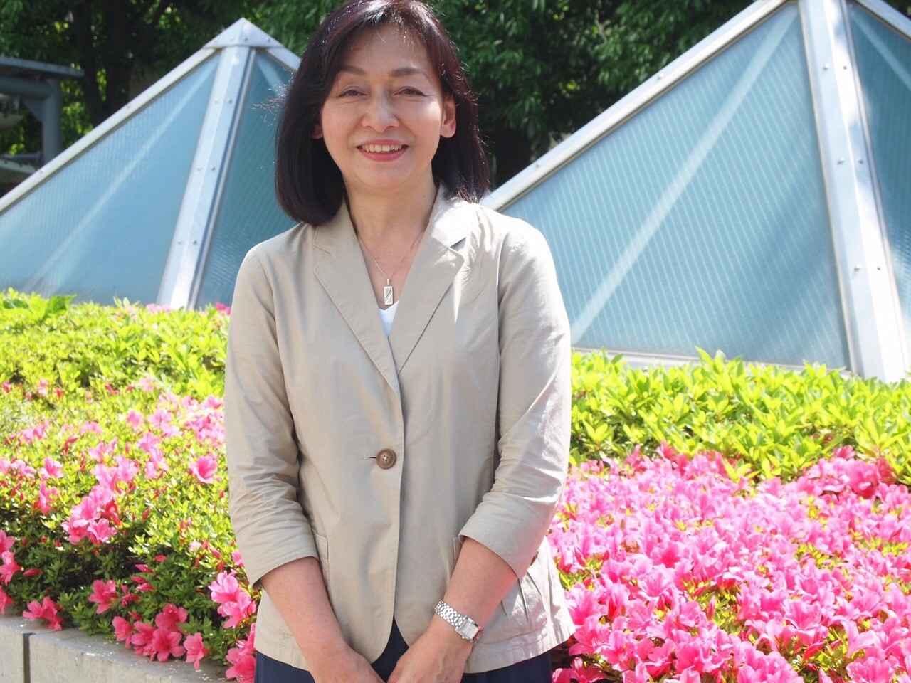 画像: 舩山純 ふなやまますみ 花旅コーディネーター。テーマ旅行に定評のある旅行会社クラブツーリズムで20年に渡り花と人を結ぶガーデンツーリズムを提唱してきた花旅企画のパイオニア的存在。日本各地の有名ガーデンから、個人の庭まで網羅。英国やフランスなどへの海外ツアーも毎年開催し人気を呼んでいる。