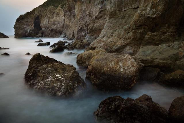 画像: 肉眼では決して見られない波の軌跡を撮影 事前講座付で安心!伊良湖岬にて長時間露光撮影に挑戦 日帰り