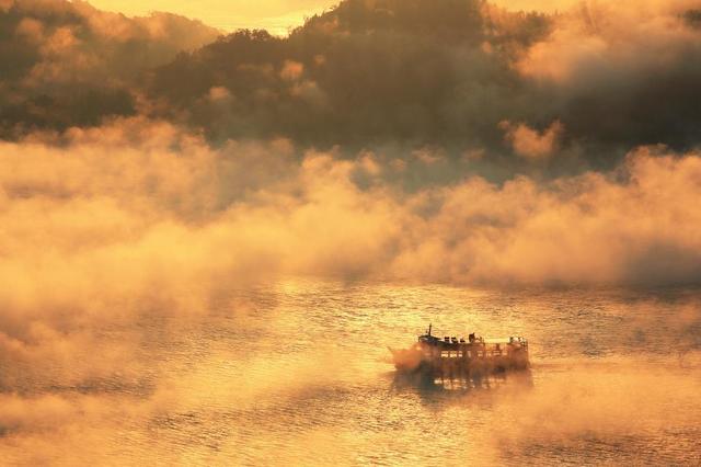 画像: 紅葉の宮島と晩秋の風物詩 三原のけあらし 2日間【名古屋出発】
