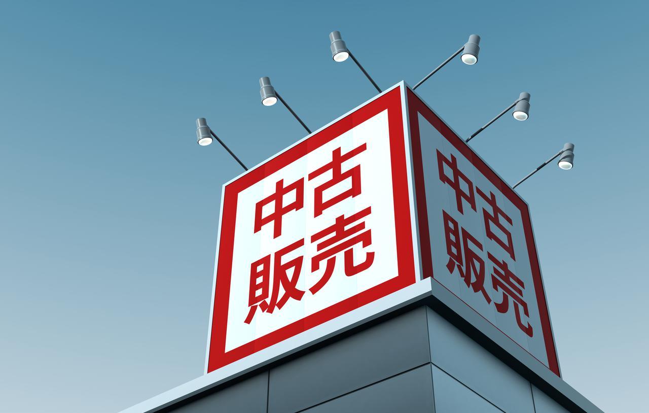 画像: 中古の取り扱いも行う店舗も多いカメラ専門店