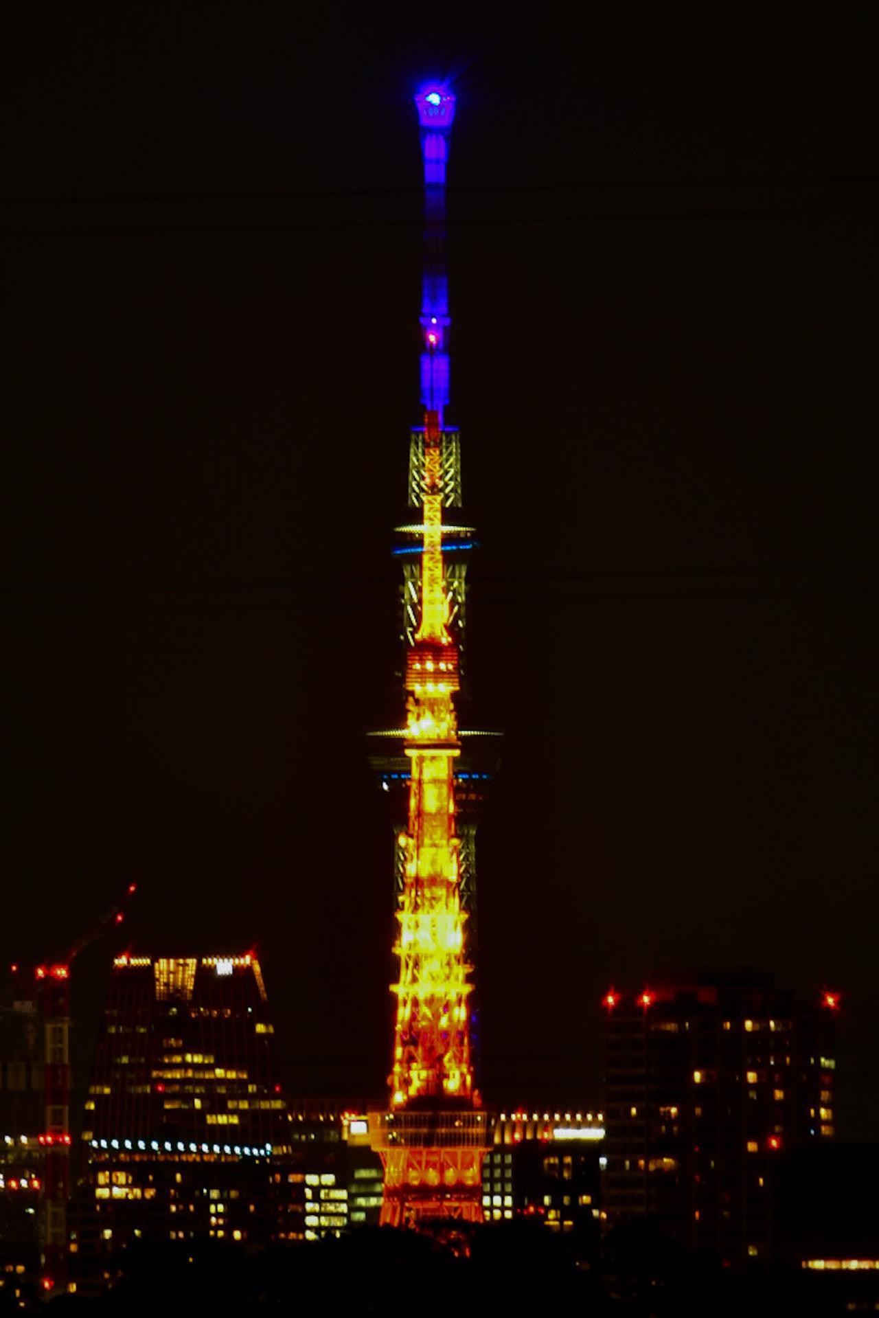 画像: スカイツリーと東京タワーが重なると・・・!? Twitterではツアーの先行発表やスタッフが撮影した写真の紹介など、様々な情報を発信しております。 ↓下記URLより是非フォローしてご覧下さい!↓ twitter.com