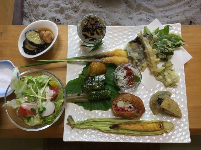 画像: 現地でのお食事もお楽しみの1つです。(イメージ)