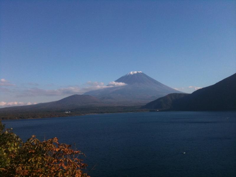 画像: 本栖湖と富士山(イメージ)