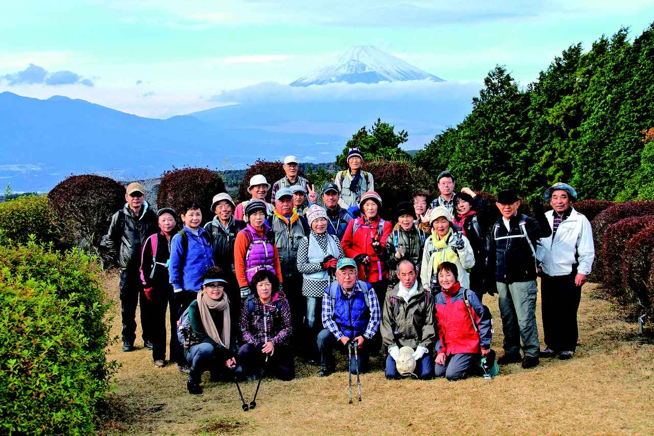 画像: 箱根峠付近にて記念撮影(第14回)