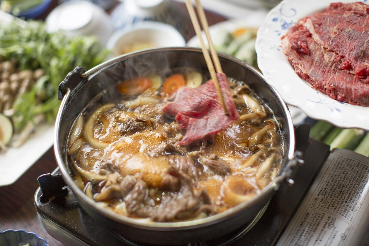 画像: 八ヶ岳・オーレン小屋の馬肉すき焼き