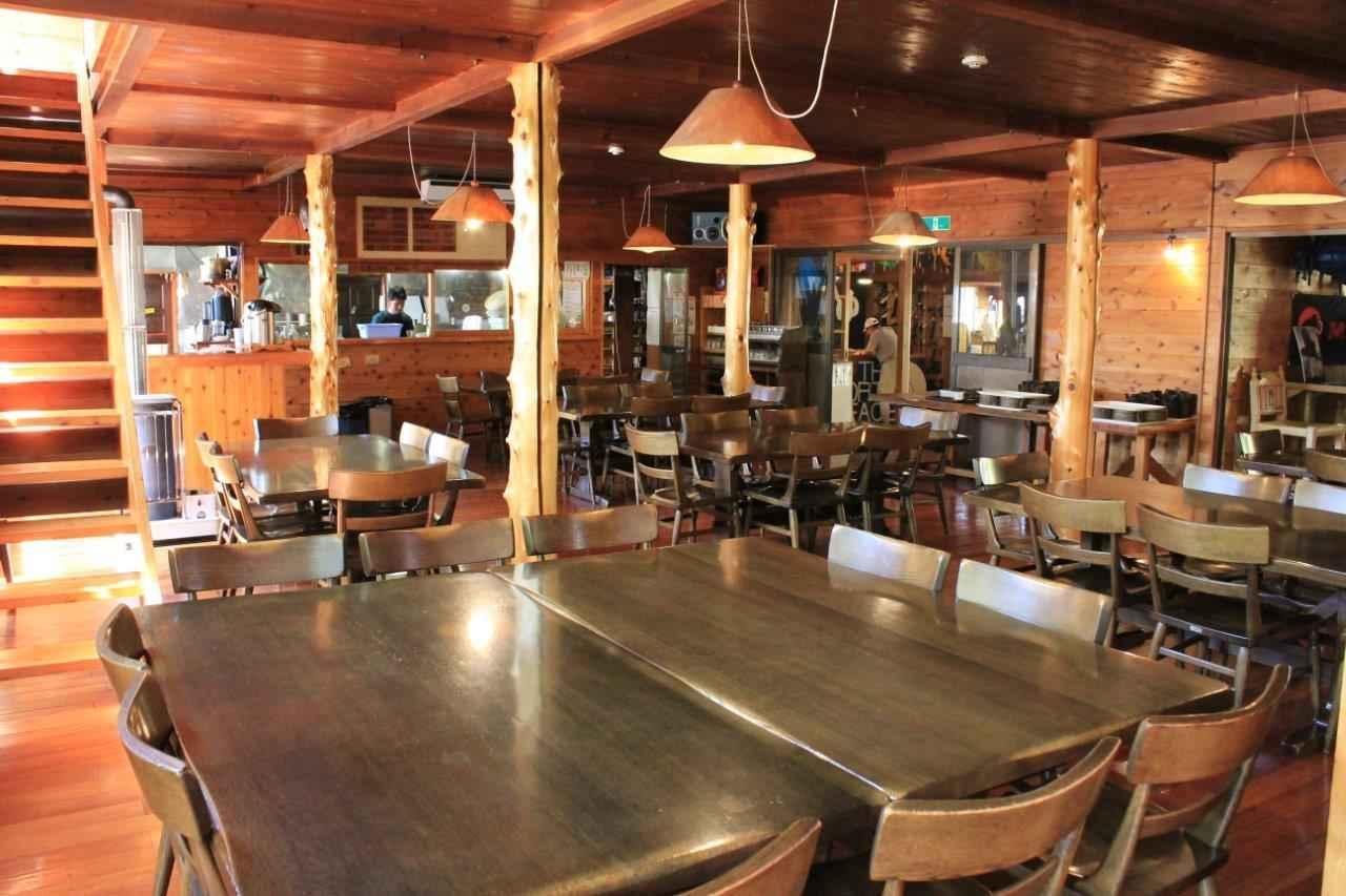 画像: 八ヶ岳・赤岳鉱泉の食堂