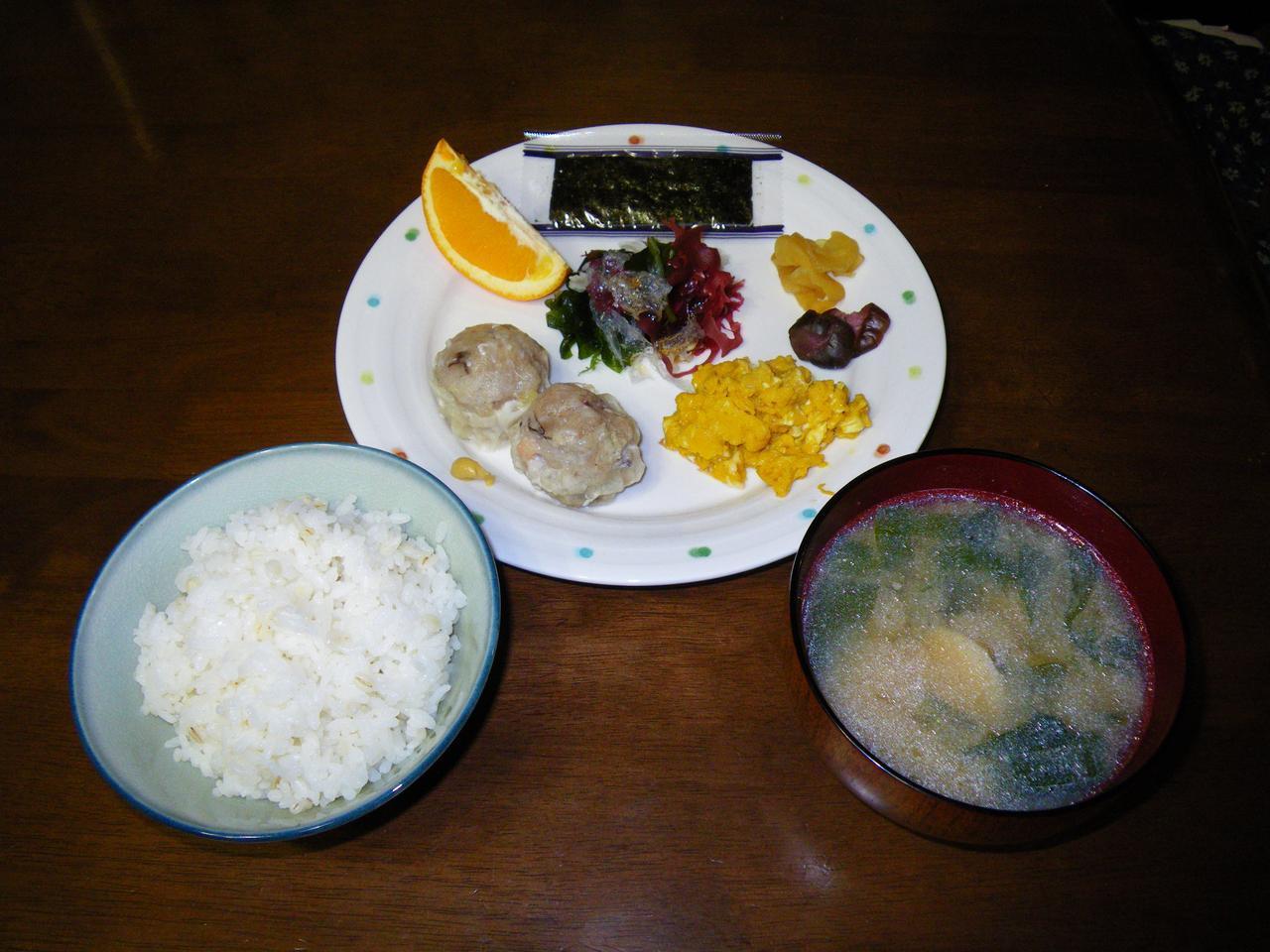 画像: 代表的な山小屋の朝食(八ヶ岳・青年小屋)