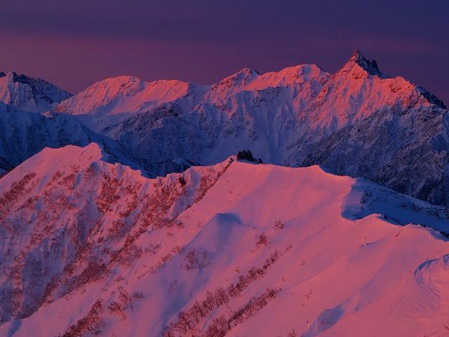画像: ■モルゲンロート(写真は燕岳からの槍ヶ岳)